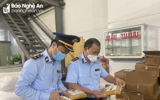 Nghệ An: Tịch thu hàng nghìn bánh Trung thu không có nguồn gốc xuất xứ