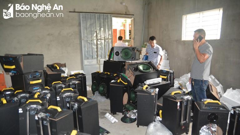 Video clip cơ quan chức năng thu giữ 7 tạ ma túy đá ở Nghệ An