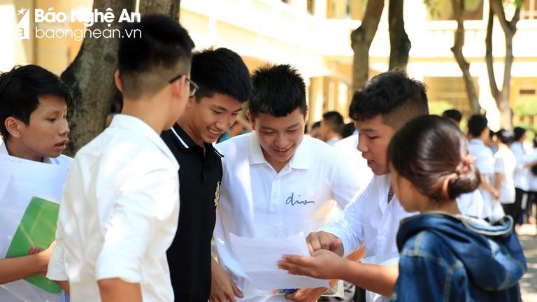 Thứ trưởng Bộ giáo dục: Nghệ An chuẩn bị đầy đủ và bài bản cho kỳ thi THPT Quốc gia