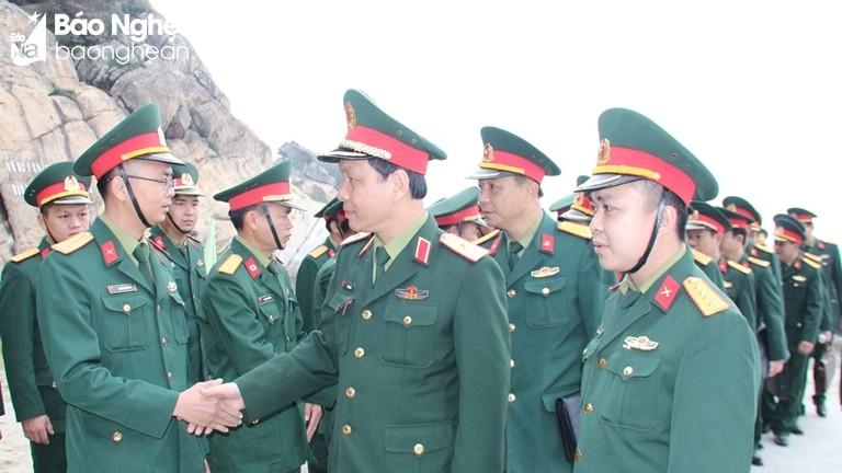 Bộ Tư lệnh Quân khu 4 kiểm tra công tác sẵn sàng chiến đấu tại đảo Mắt