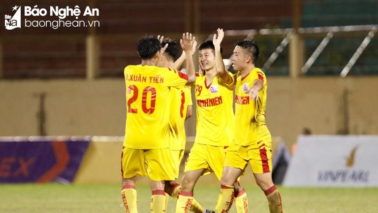 Thắng đậm Long An 5-1, U21 Sông Lam Nghệ An nuôi hy vọng vào bán kết