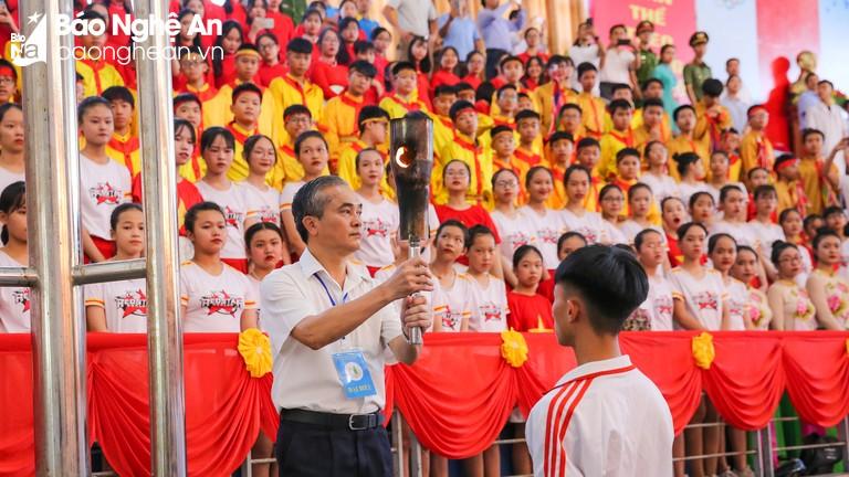 Gần 3.000 vận động viên dự Lễ khai mạc Hội khỏe Phù Đổng tỉnh Nghệ An lần thứ XIX