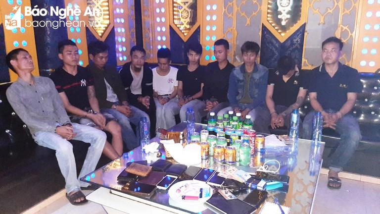 Nhóm thanh niên tổ chức tiệc sinh nhật bằng ma túy