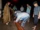 Nghệ An: Lắp đặt máy bơm trong đêm, chống ngập úng chợ Vinh