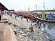 Cảng cá sôi động nhất Nghệ An bị nước thải đen ngòm và rác bao vây