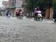Mưa lớn, thành phố Vinh chìm trong biển nước
