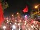 Dòng người vỡ òa cảm xúc mừng chiến thắng của đội tuyển Việt Nam
