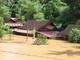 Kỳ Sơn: Nhiều ngôi nhà ngập sâu trong lũ, nhiều bản làng bị cô lập