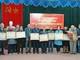 Trao Huy hiệu đảng cho đảng viên ở các địa phương