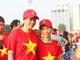 Mẹ và bà nội Phan Văn Đức hòa vào ngày hội bóng đá tại Mỹ Đình