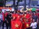 AFF Cup 2018: Bất chấp mưa to, cổ động viên Việt Nam vẫn nhuộm đỏ một góc sân Malaysia