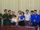 Đoàn Thanh niên Bộ LĐ-TB và XH tặng quà Tiểu đoàn 32 Đảo Mắt