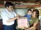Trao quà trung thu và xe đạp cho trẻ em ở TX Thái Hòa và Tân Kỳ