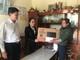 Ban Tổ chức Tỉnh ủy tặng quà Tết cho hộ nghèo tại Nghĩa Đàn, Quỳ Hợp