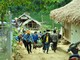 Hội Nông dân tỉnh đưa lợn giống về cho bà con dân bản xã Hữu Khuông, huyện Tương Dương