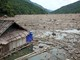 Cận cảnh bãi rác khổng lồ trên hồ thủy điện Bản Vẽ