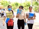 Phụ huynh, thí sinh Nghệ An kết thúc kỳ thi trong nắng nóng lịch sử