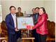 Hội Nông dân tỉnh tặng quà chúc mừng giáng sinh năm 2020