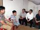 Giám đốc Sở GD&ĐT Nghệ An thăm hỏi học sinh lớp 5 bị thương tích