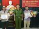 Công an Nghệ An khen thưởng 2 công dân tích cực truy bắt tội phạm