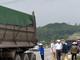 Xe máy va chạm xe tải trên đường N5, vợ tử vong, chồng bị thương nặng