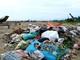 Rác thải tràn ngập các bãi biển Diễn Châu