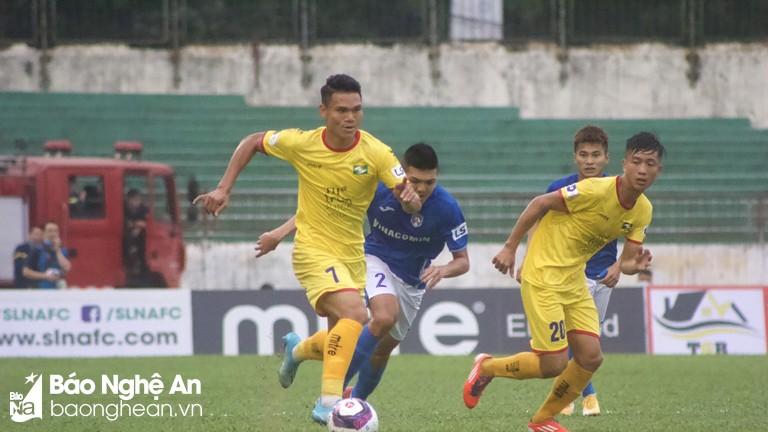 SHB Đà Nẵng - SLNA: Hậu vệ cánh phải của đội khách, anh là ai?