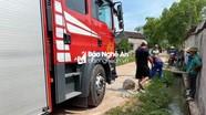 Xe cứu hỏa bị trụ bê tông 'chắn đường' khi chữa cháy rừng tại Nghệ An