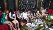 Khách và chủ quán karaoke bị xử phạt vì bất chấp lệnh cấm
