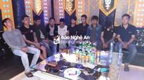 Bắt nhóm thanh niên phê ma túy trong tiệc sinh nhật tại quán karaoke ở thành phố Vinh