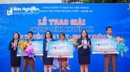 3 khách hàng nhận thưởng chương trình 'Lắp truyền hình - Rinh Tivi khủng' của VNPT Nghệ An