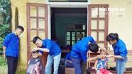 Hơn 100 người già và trẻ em vùng cao được cắt tóc miễn phí