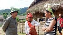 Tuyên truyền, vận động bà con Đan Lai ở thượng nguồn khe Khặng về khu tái định cư mới