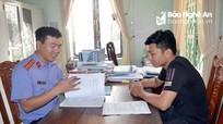 Từ cậu bé mồ côi thành người duy nhất của Nghệ An đạt công chức trẻ giỏi toàn quốc
