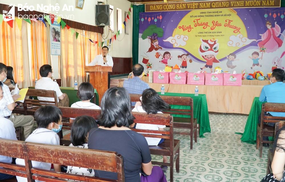 Sở Giáo dục và Đào tạo tặng quà và vui Tết Trung thu năm 2021 với Làng trẻ em SOS Vinh