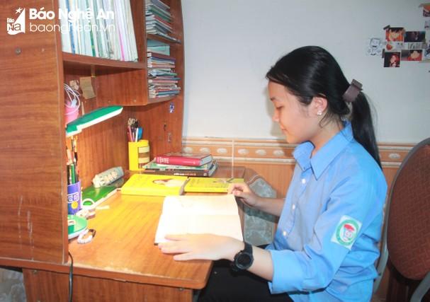 Bí quyết '4 nhiều' của cô học trò thủ khoa môn Văn, kỳ thi HSG lớp 9 của Nghệ An