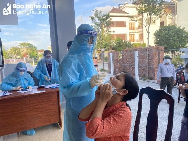 Sáng 25/10/2021, Nghệ An ghi nhận 25 ca nhiễm mới Covid-19, đều trong khu phong tỏa và cách ly từ trước