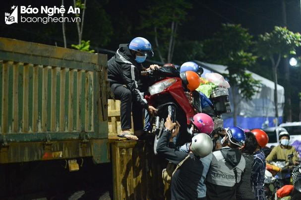 Sáng 14/10/2021, Nghệ An có 03 ca nhiễm mới Covid-19, là công dân từ Bình Dương về