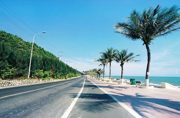 Tuyến đường ven biển Nghệ An sẽ kết nối Cảng Cửa Lò, Cảng quốc tế Vissai, Cảng DKC và các khu du lịch Cửa Lò, Bãi Lữ, FLC... Ảnh minh họa.