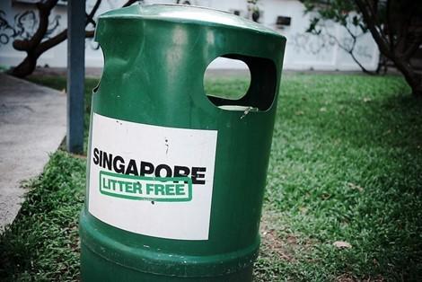 Du lịch Singapore, đừng lớ ngớ kẻo bị phạt hoặc đi tù như chơi - Ảnh 4.