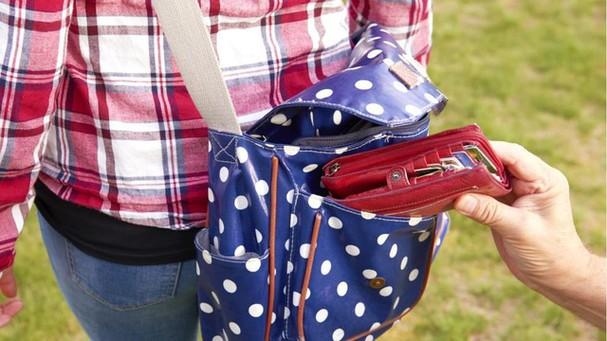 Nhớ kỹ những điều cần làm khi không may bị mất trộm khi đi du lịch - ảnh 5