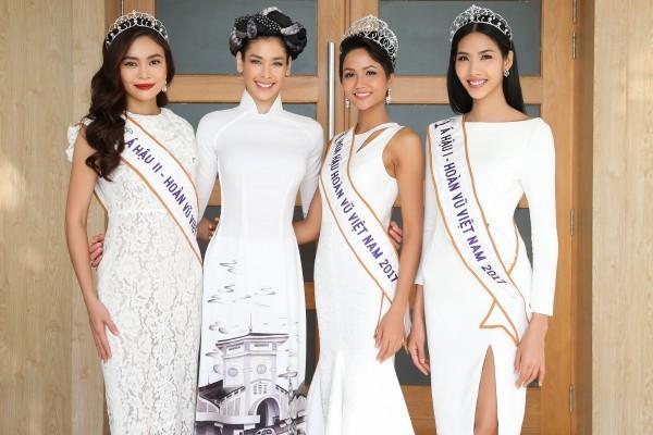 Trường cũ chào đón Hoa hậu H'Hen Niê về thăm - ảnh 9