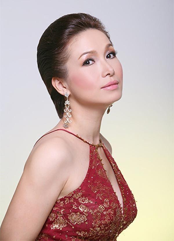 4 hoa hậu tài năng từng làm giám khảo Hoa hậu Việt Nam là ai? ảnh 2