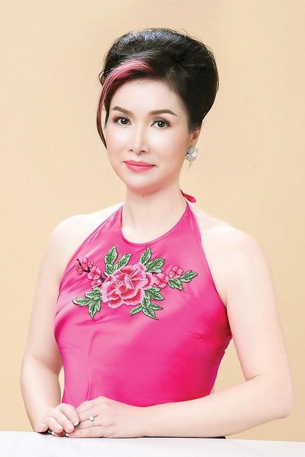 4 hoa hậu tài năng từng làm giám khảo Hoa hậu Việt Nam là ai? ảnh 3
