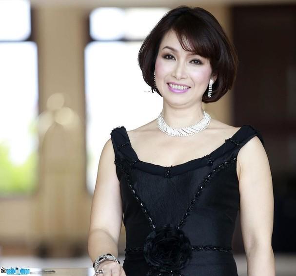 4 hoa hậu tài năng từng làm giám khảo Hoa hậu Việt Nam là ai? ảnh 1
