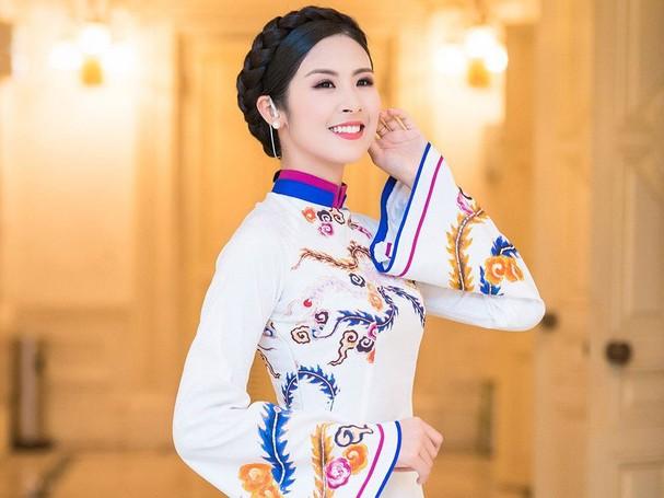 4 hoa hậu tài năng từng làm giám khảo Hoa hậu Việt Nam là ai? ảnh 13