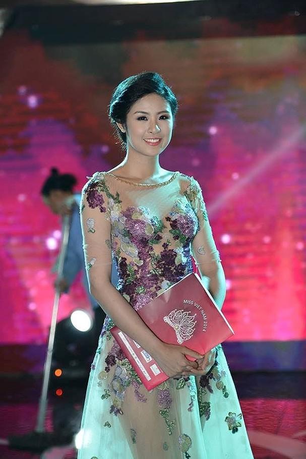 4 hoa hậu tài năng từng làm giám khảo Hoa hậu Việt Nam là ai? ảnh 12