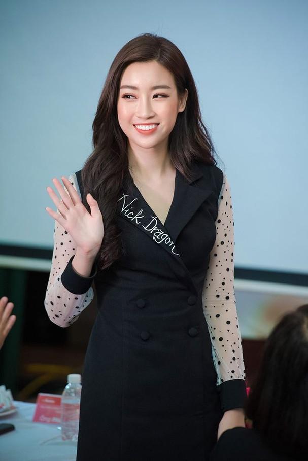 Hoa hậu Mỹ Linh rạng rỡ về trường tuyển sinh cho Hoa hậu Việt Nam 2018 - ảnh 7