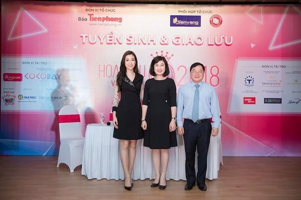 Hoa hậu Mỹ Linh rạng rỡ về trường tuyển sinh cho Hoa hậu Việt Nam 2018 - ảnh 10