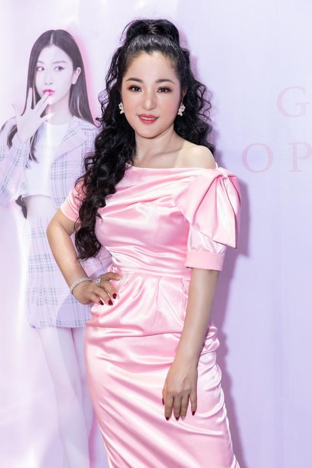 Jennifer Phạm sẽ hát mở màn đêm chung kết Hoa hậu Việt Nam thế giới 2018 - Ảnh 5.